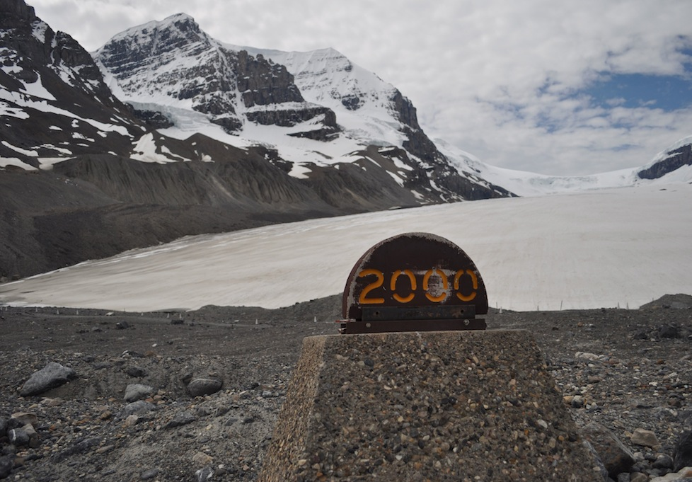 Marker to indicate how far the glacier has receded since 2000