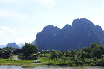 The impressive karats which overlook Vang Vieng